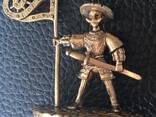 Bronze souvenirs. Statuettes, thimbles, trinkets, keychain. - photo 3